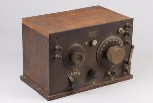 Grebe CR-4 regenerative radio receiver modified as oscillator